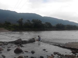 A la mitad del río. De página de Anahi Ruiz en Facebook.