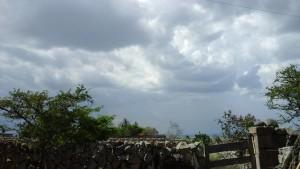Nubes sobre Temastián. Fotografía de Cristóbal Ramos.